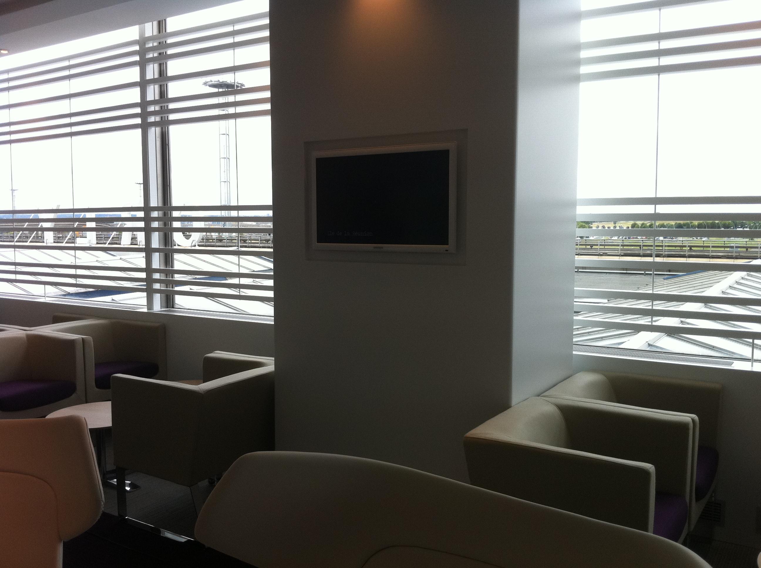 salle d embarquement corsair paris avs37 audio video service. Black Bedroom Furniture Sets. Home Design Ideas